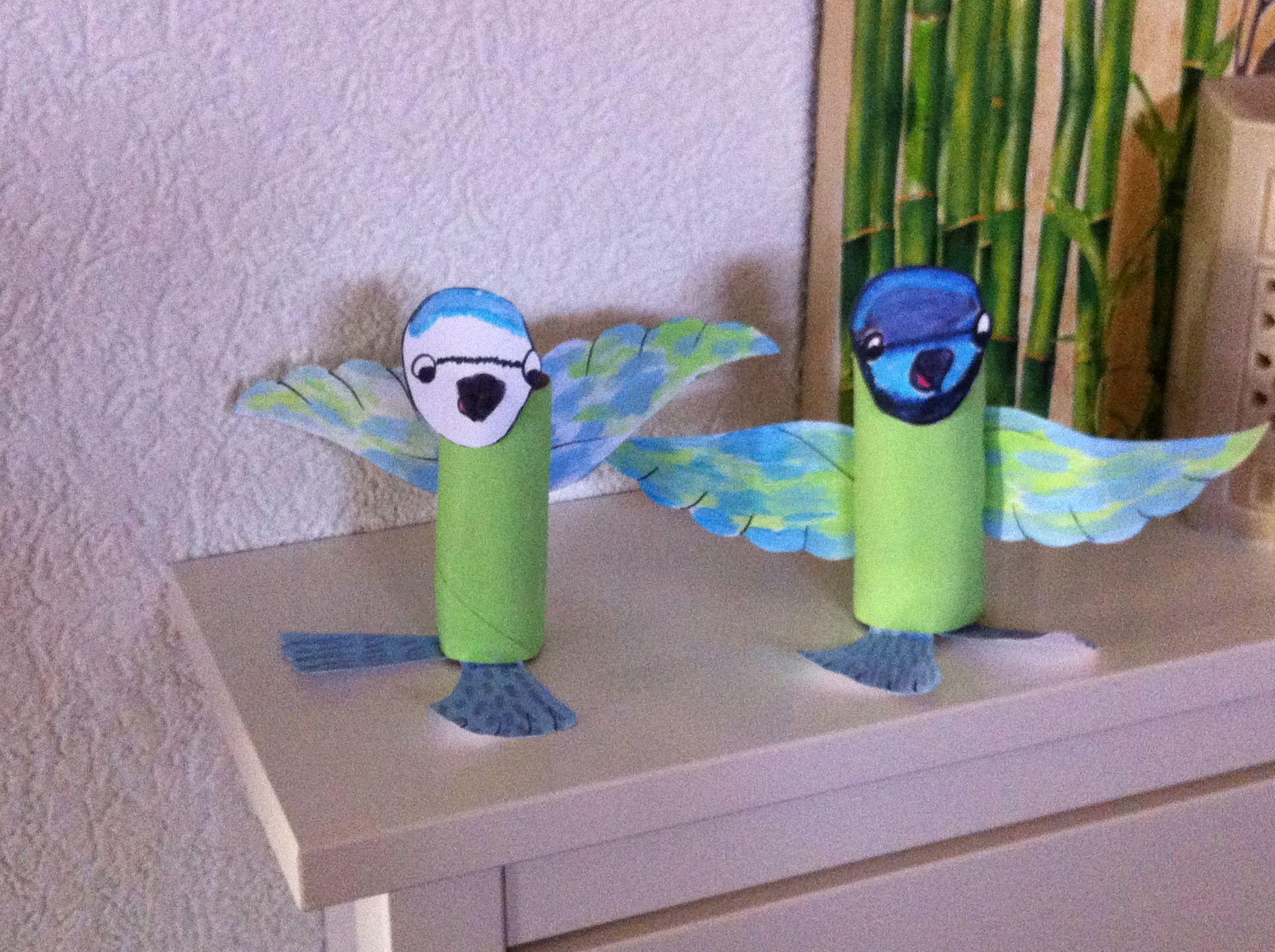 Petit oiseau r alis avec un rouleau de papier wc - Bricolage avec du papier ...